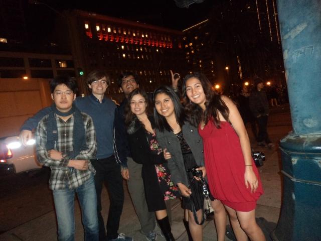 Welcome 2012! Dec 31 night Firework Celebrations:San Francisco Taro, Wicher, Vishwa, AnaLuz, Laura, Regii
