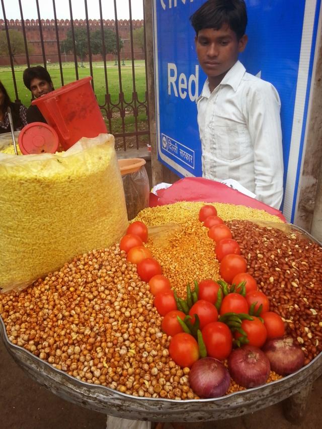 A man selling bhel puri in Delhi